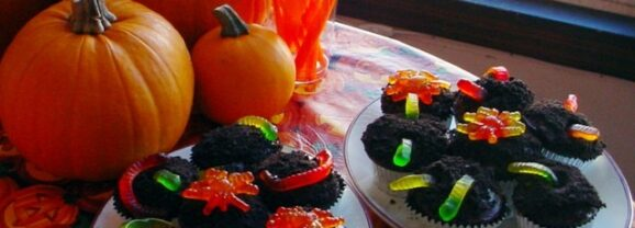 The Easiest Way to Make Gummy Worm Cupcakes